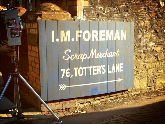 50th-filming-totters-lane