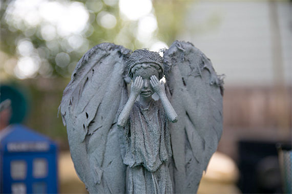 art-weeping-angels-barbies