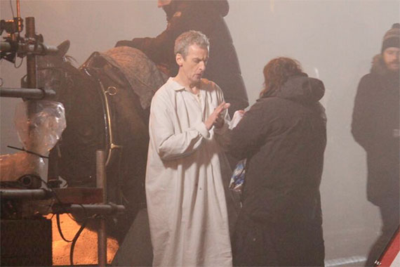 Doctor Who saison 8 Capaldi-series-8-filming-pj-stand