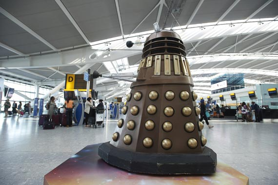 doctor-who-heathrow-airport-2013-(1)