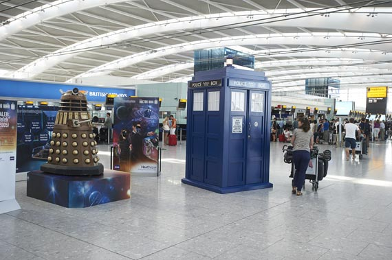 doctor-who-heathrow-airport-2013-(2)