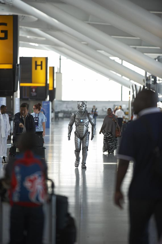 doctor-who-heathrow-airport-2013-(5)