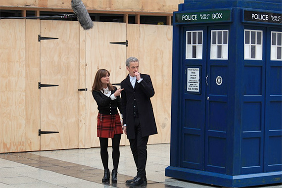 doctor-who-series-8-filming-capaldi-clara-queen-street