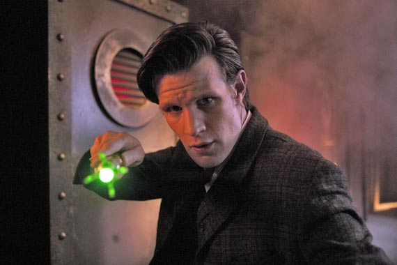 doctor-who-the-crimson-horror-promo-pics-(3)