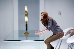 doctor who the girl who waited promo pics (1)