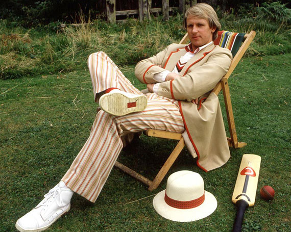 fifth-doctor-Davison-cricket