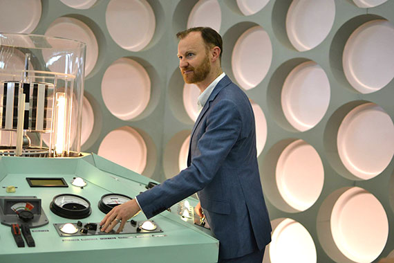 mark-gatiss-hartnell-tardis