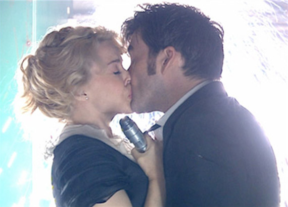 tennant-doctor-kiss-astrid-kylie-voyage